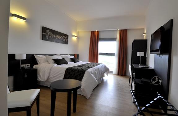 Ba o discapacitados rosario for Ver habitaciones de hoteles