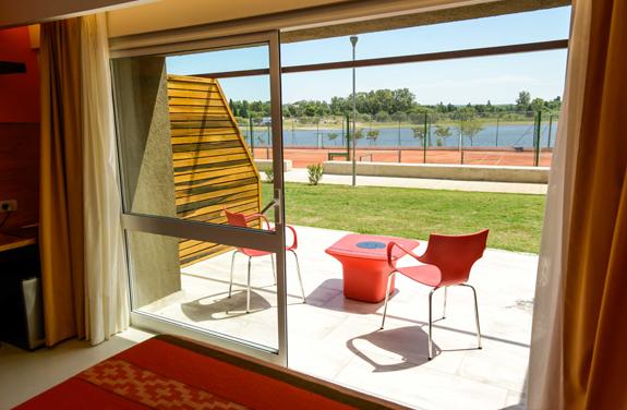 Habitación Superior Cuádruple Vista Lago<br /><span>De 3 a 4 personas</span>