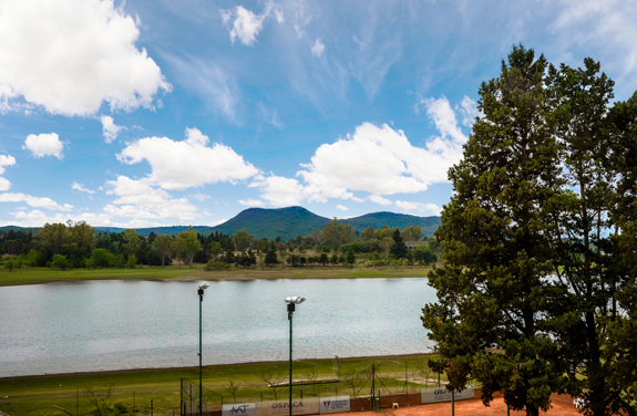 Habitación Clásica Cuádruple Vista Lago<br /><span>De 3 a 4 personas</span>